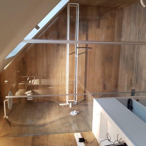 startowe zdjęcie łazienki wykonanej przez firmy Vitroglass