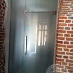 Szklane-matowe drzwi do biura firmy Vitroglass